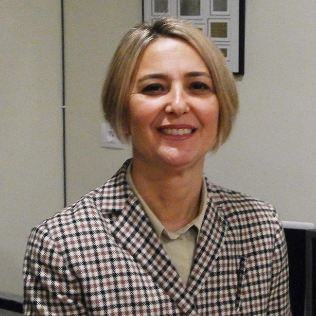 Ana Debón